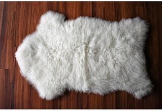 "Hartung Animal Print Handmade 2'1"" x 3'3"" Sheepskin White Indoor / Outdoor Area Rug Millwood Pines"