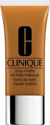Clinique Stay-Matte Oil-Free Makeup