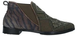 MEHER KAKALIA Ankle boots