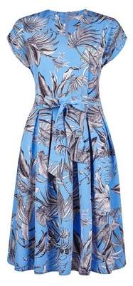 Dorothy Perkins Womens **Billie & Blossom Tall Blue Leaf Print Fit And Flare Dress, Blue