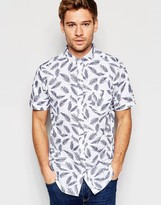Brave Soul Short Sleeve Shirt in Feather Print