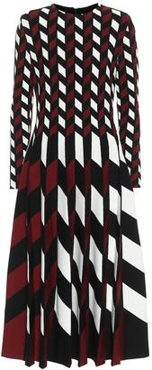 Oscar de la Renta Pleated jacquard maxi dress