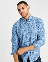 American Eagle Outfitters AE CLASSIC PRINTED BUTTON-DOWN CHAMBRAY SHIRT