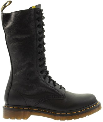 Dr. Martens Virginia Black Laced Boot