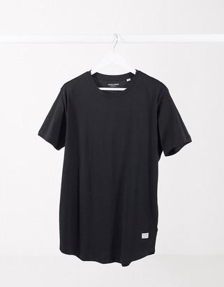 Jack and Jones Essentials longline T-shirt with curve hem in black
