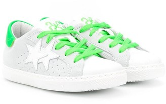 2 Star Kids Star Patch Low-Top Sneakers