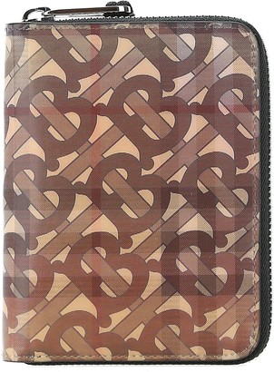 Burberry 3D Logo Monogram Zipped Wallet