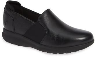 Clarks Un Adorn Step Water Repellent Sneaker