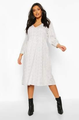 boohoo Plus Spotty V Neck Midi Dress