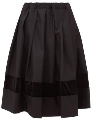 Comme des Garçons Comme des Garçons Pleated Velvet-applique Midi Skirt - Black