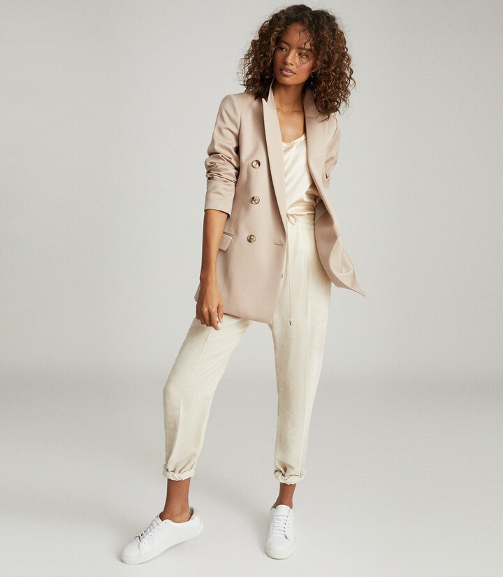 Reiss Austen - Wool Blend Double Breasted Blazer in Camel