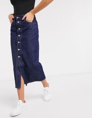 Levi's button front midi skirt in dark wash blue