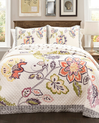 Triangle Home Fashion Aster 3Pc Quilt Set