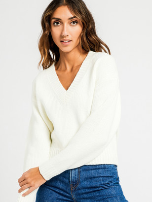 Nude Lucy Gwen V Neck Jumper in Off White