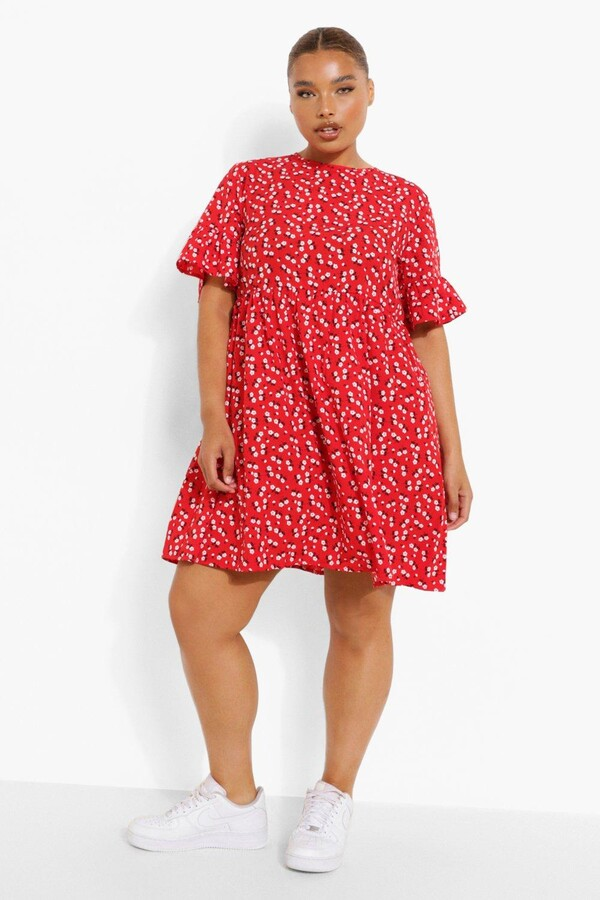 boohoo Plus Woven Ditsy Floral Smock Dress