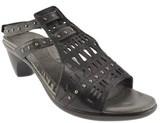 Naot Footwear Women's Vogue.