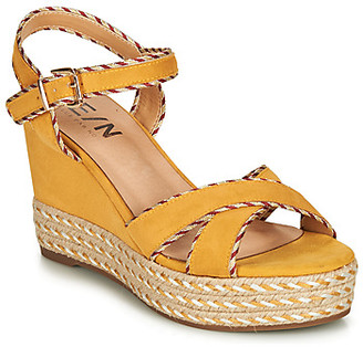 Elue par nous GENIE women's Sandals in Yellow