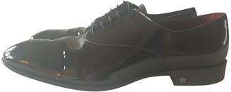 Louis Vuitton Melrose Black Patent leather Lace ups