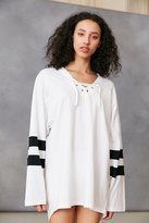 Silence & Noise Silence + Noise Oversized Lace-Up Jersey Tee