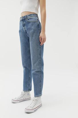 BDG Premium High-Waisted Straight Leg Jean Medium Wash