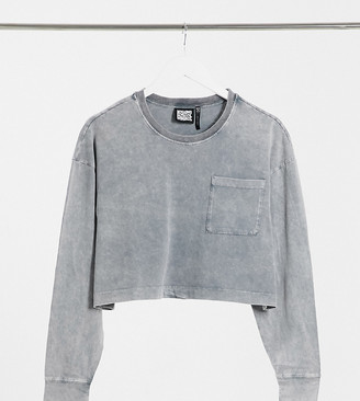 Reclaimed Vintage inspired long sleeve cropped pocket t-shirt in charcoal