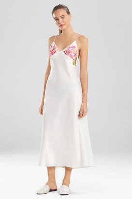 Natori Serafina Embroidery Gown