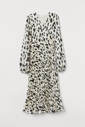 H&M MAMA Pleated wrap dress