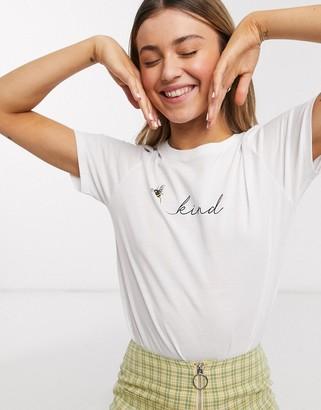 New Look bee kind slogan tee in white