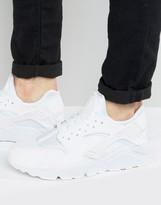 Nike Air Huarache Run Trainers In White 318429-106