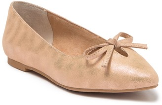Seychelles In Theme Metallic Pointed Toe Flat