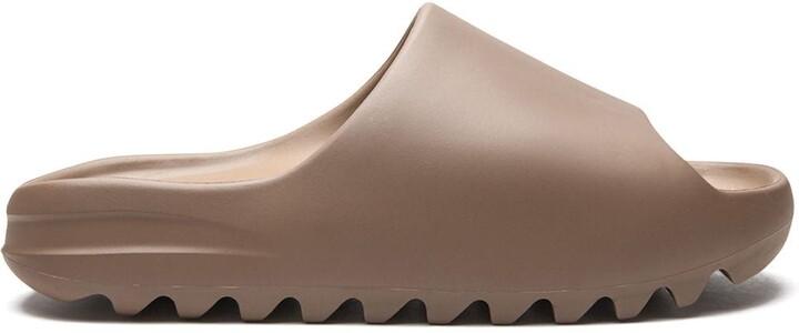 Yeezy ridged sole slides