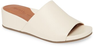 Gentle Souls by Kenneth Cole Gianna Slide Sandal