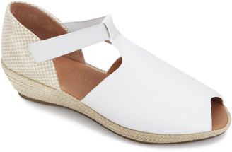 Gentle Souls By Kenneth Cole Luci T-Strap Leather Wedge Sandal