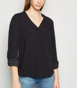 New Look Spot V Neck Shirt