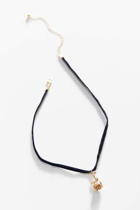Urban Outfitters Velvet Rose Choker Necklace