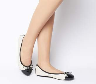 Butterfly Twists Quilted Olivia 2 Flats Cream Black