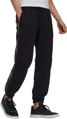 adidas Camo 3-Stripes Sweatpants