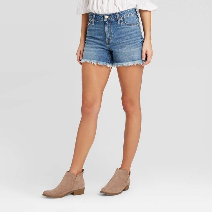 Women's High-Rise Jean Shorts - Universal Thread͐ Medium Wash