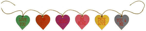 American Mercantile Wooden Heart Tags Garland