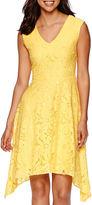 Studio 1 Sleeveless Daisy Lace Sharkbite Fit-and-Flare Dress