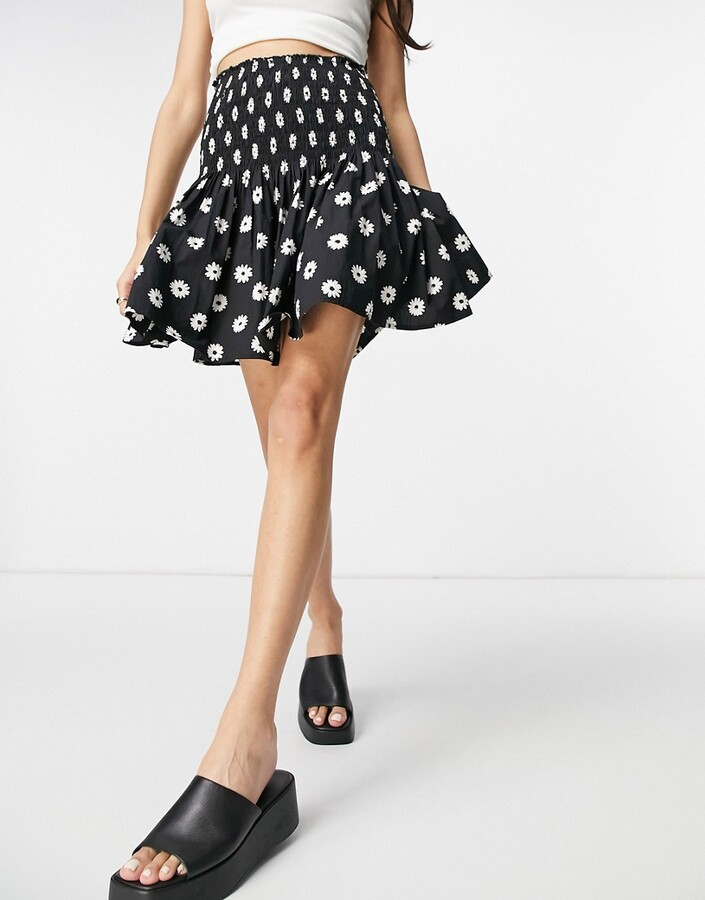 New Look shirred mini skirt in embroidered daisy pattern