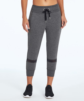 Marika Sport Women's Active Pants BLACK/H. - 18'' Black & Heather Gray Color Block Mid-Rise Capri Leggings - Women