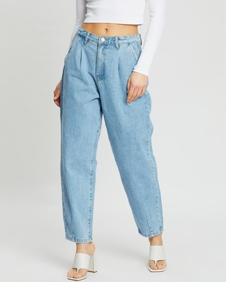 Missguided Slouch High-Waisted Pleat Detail Jeans