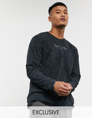 Reclaimed Vintage inspired oversized long sleeve t-shirt with script logo in charcoal wash