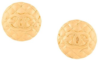 Chanel Pre-Owned CC logo round clip-on earrings