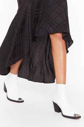 Nasty Gal Womens You Belong Toe Me Faux Leather Croc Boot - White - 3