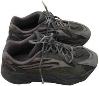 Yeezy Boost 700 V2 Grey Rubber Trainers