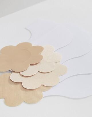 Magic Bodyfashion lift solution with petal nipple covers