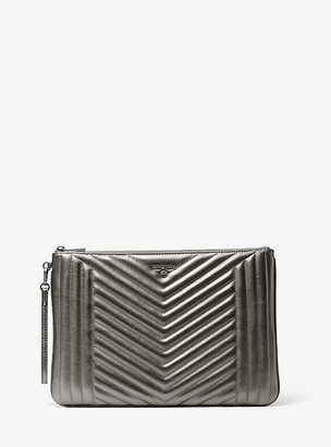 MICHAEL Michael Kors MK Jet Set Extra-Large Quilted Metallic Leather Pouch - Anthracite - Michael Kors