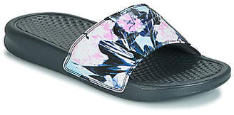 Nike BENASSI JUST DO IT W women's Mules / Casual Shoes in Multicolour